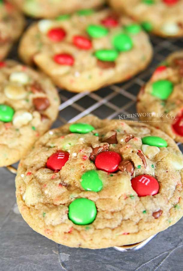 Best Recipe - Christmas M&M Sprinkle Cookies