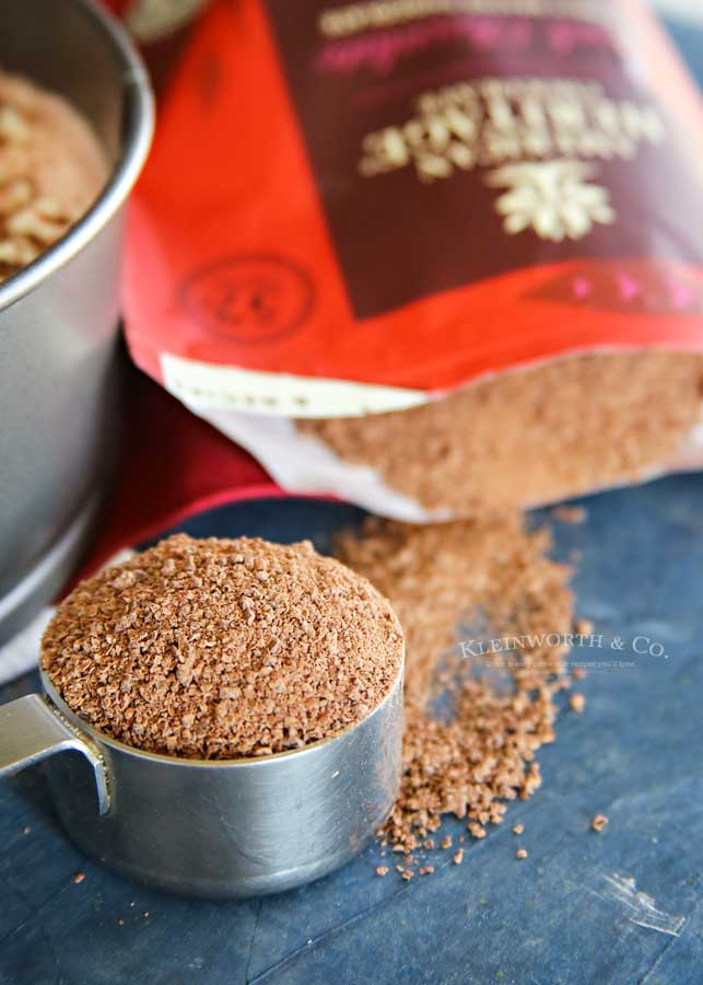Finely Ground Chocolate - No-Bake Peppermint Cheesecake