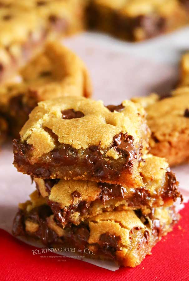 Easy recipe for Chocolate Chip Cookie Bars