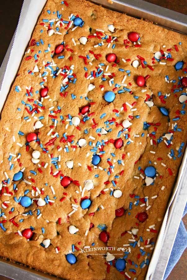 Dessert recipe M&M's Cookie Bars