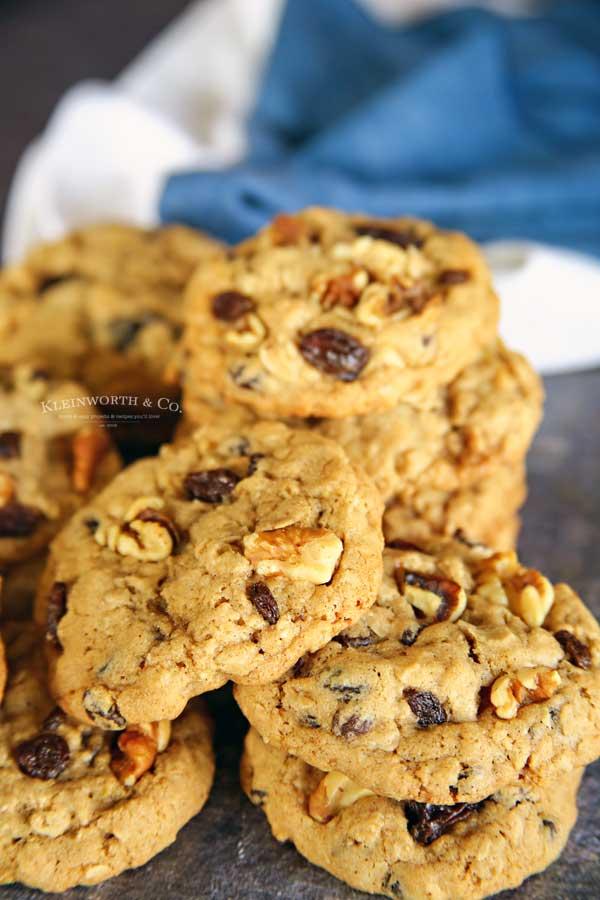 chewy oatmeal raisin cookies recipe