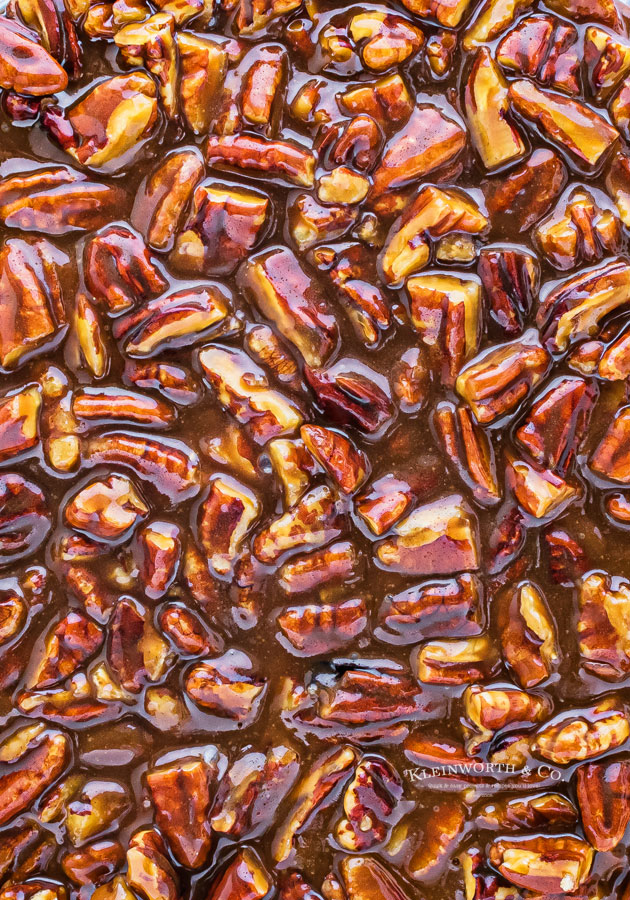 sticky pecan caramel topping