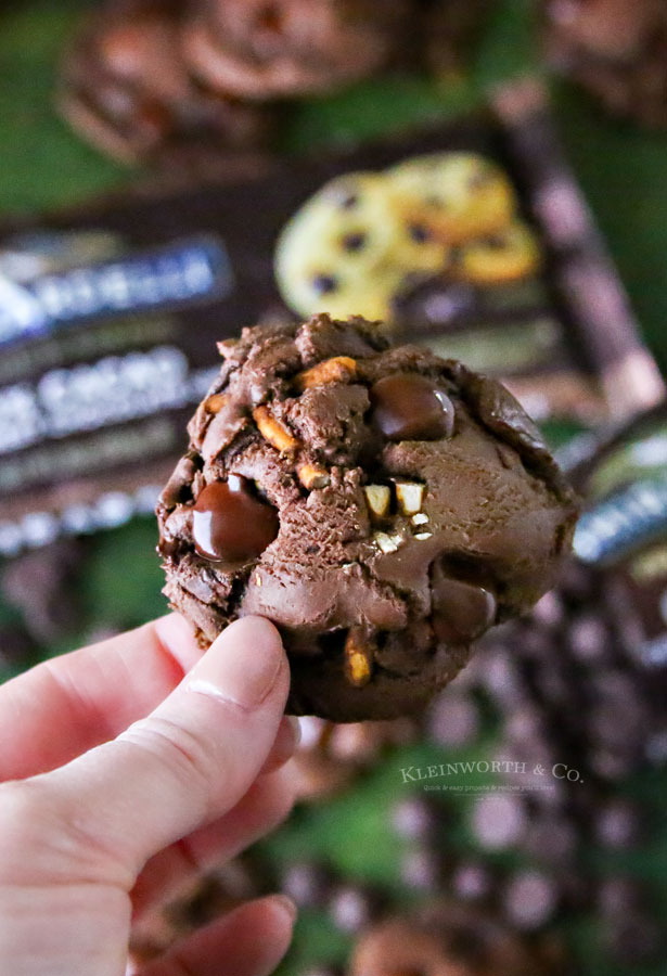 How to make Chocolate Pretzel Brownie Cookies