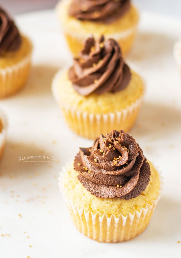 birthday vanilla cupcakes with chocolate frosting