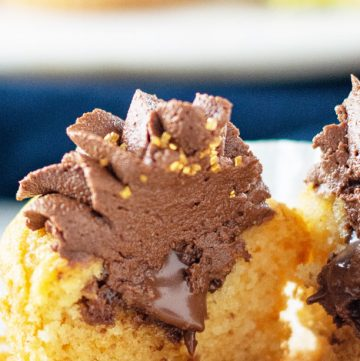 nutella inside vanilla cupcakes