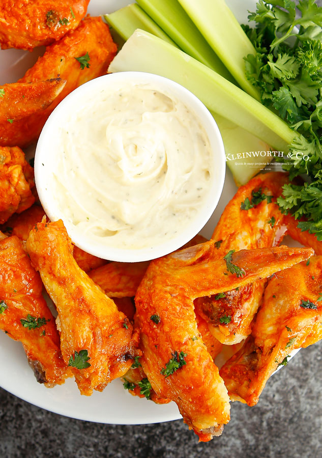 chicken wings with dip