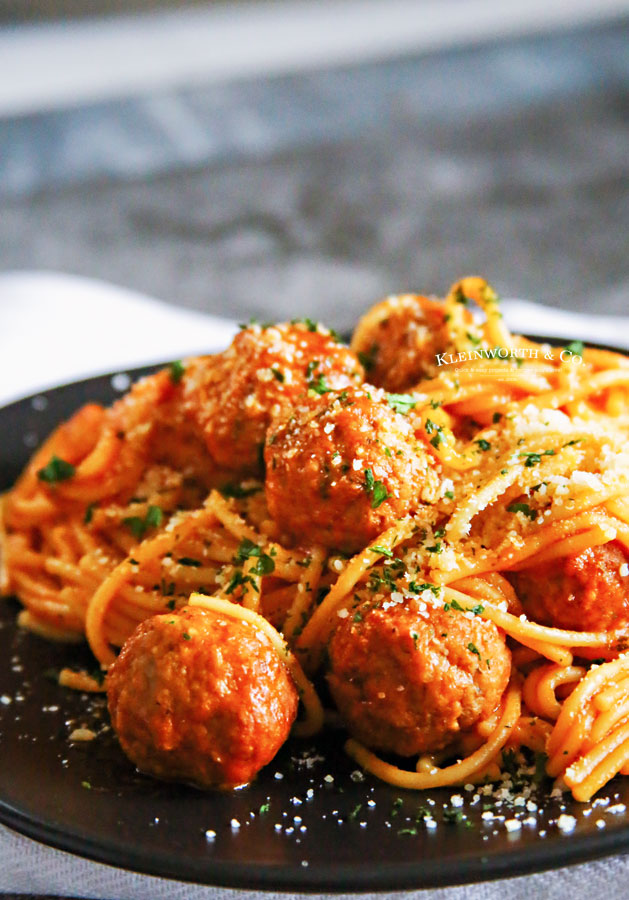 fast dinner Instant Pot Spaghetti and Meatballs