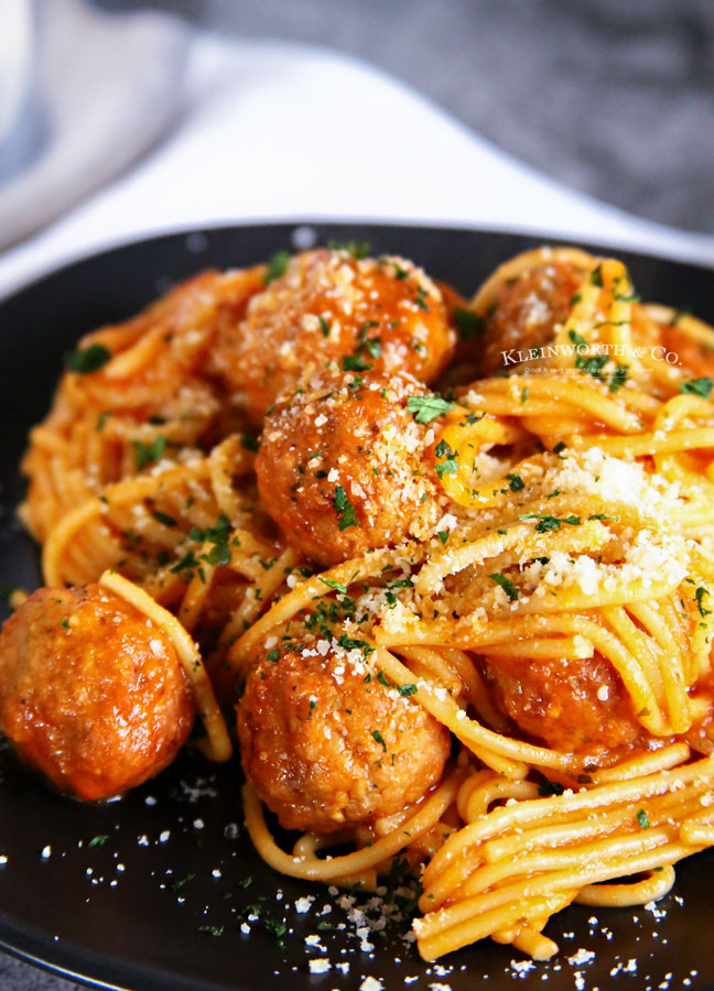 how to make Instant Pot Spaghetti and Meatballs