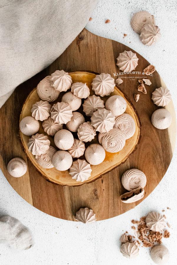 Easy Chocolate Meringue Cookies