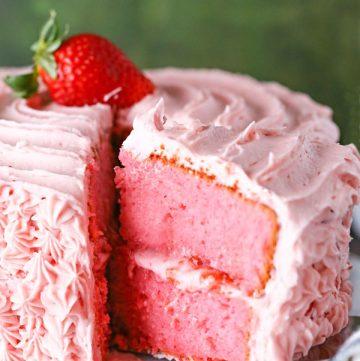 strawberry cake strawberry frosting