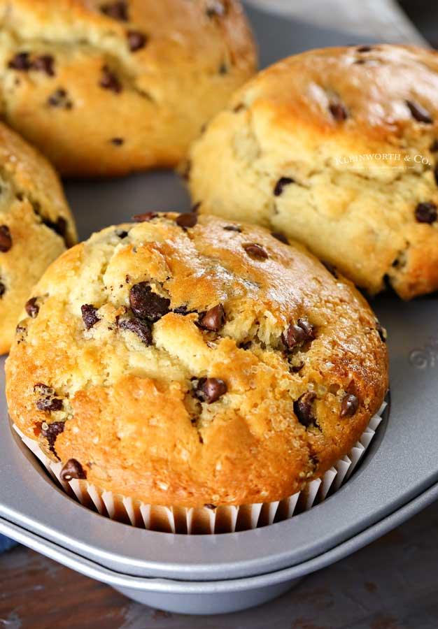 moist jumbo muffins