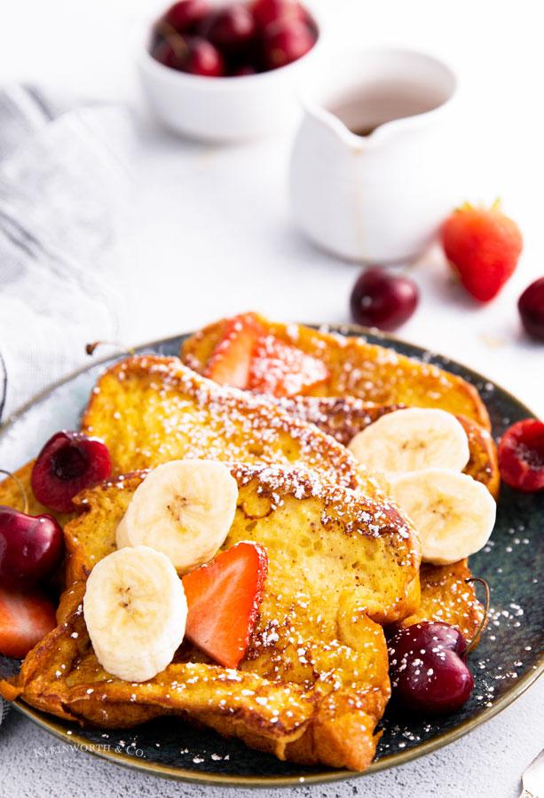 holiday breakfast - egg toast