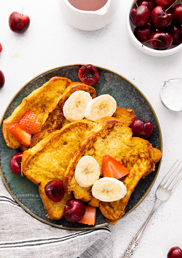 French Toast with fruit