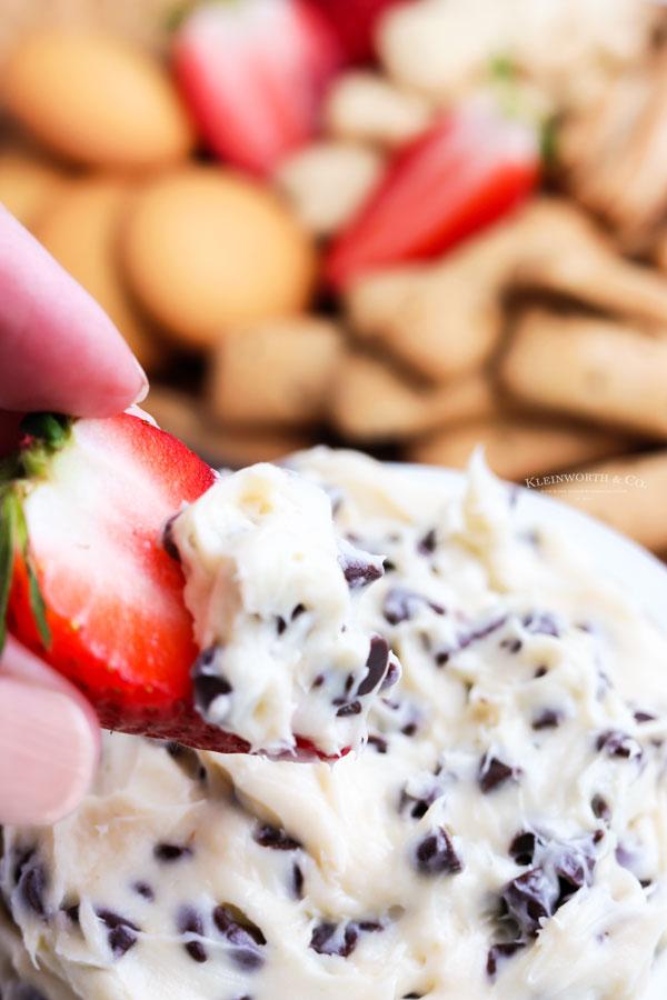 dessert dip with strawberries