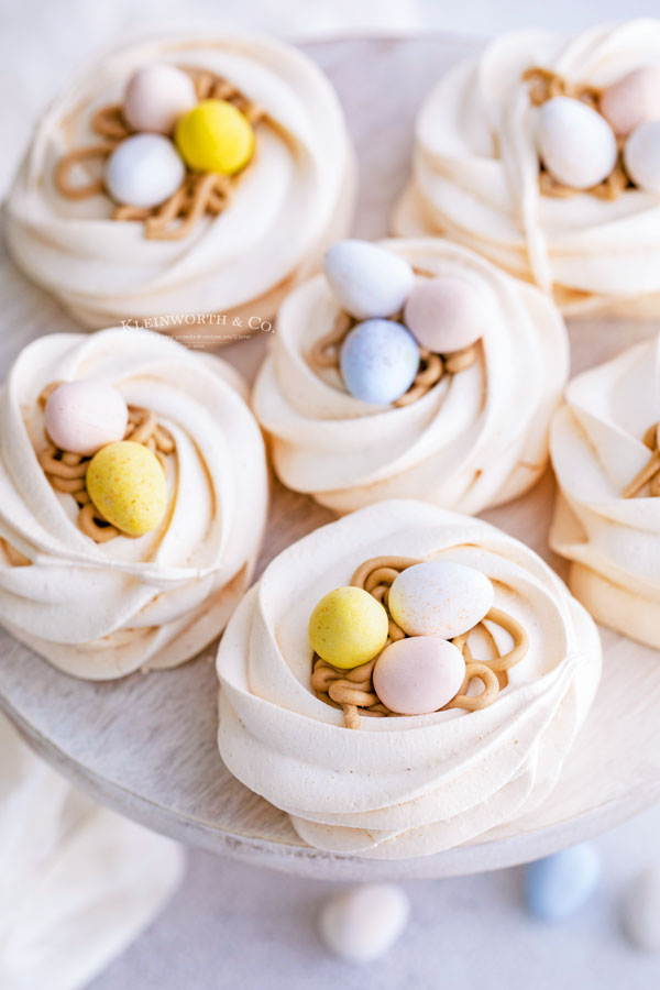 treats Easter Egg Meringue