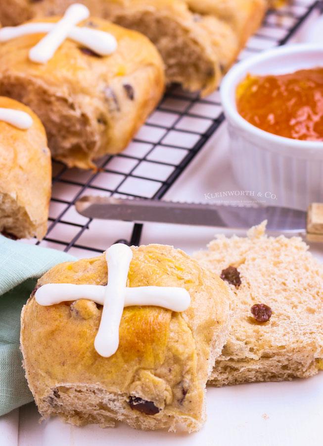 spiced cross buns