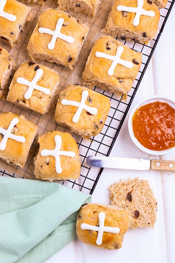 holiday tradition Easter rolls