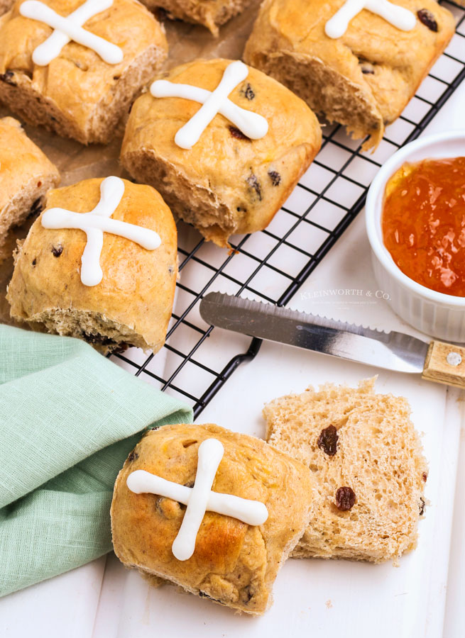 old fashioned Hot Cross Buns