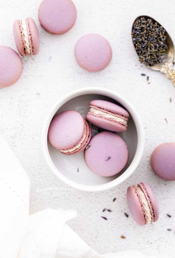 macaron cookies lavender