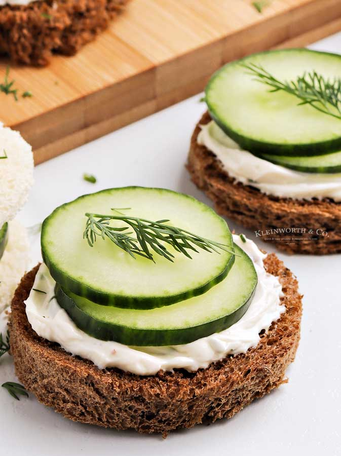 cucumber dill sandwich