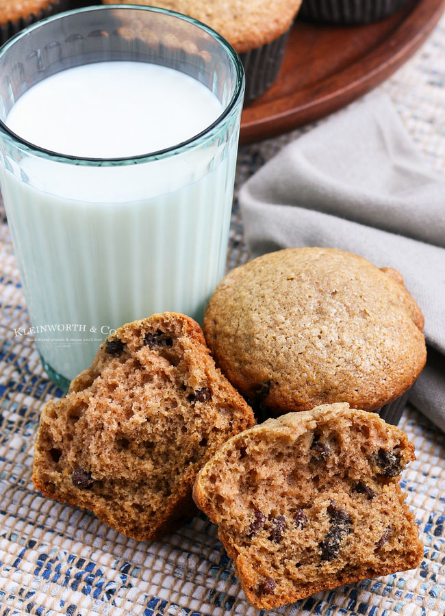 muffins made with applesauce