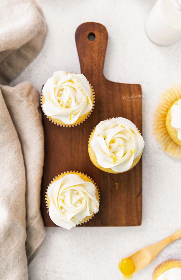 birthday lemon cupcakes