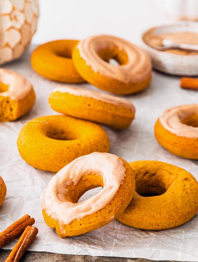 fall pumpkin donuts