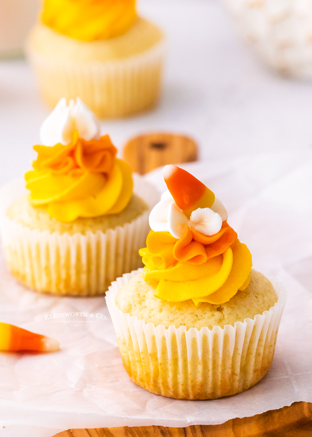 frosted fall cupcakes