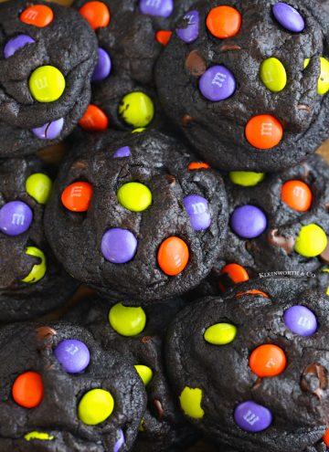 recipe for black Halloween chocolate cookies
