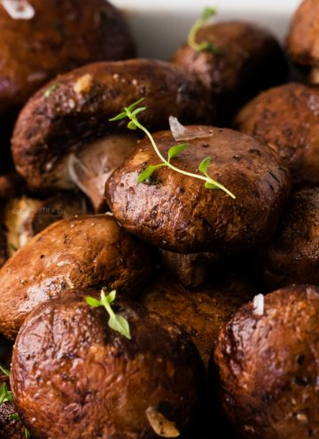 Oven Roasted Mushrooms with Garlic and Thyme
