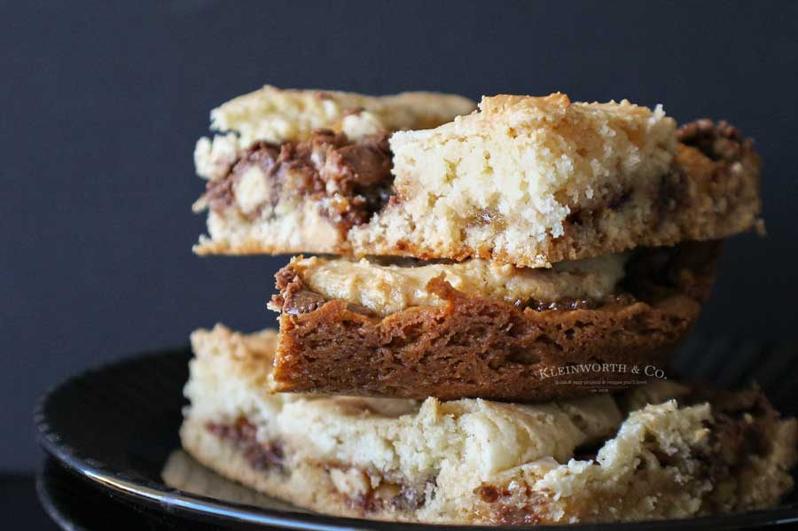 candy bar recipe - Snickers Cake Mix Bars