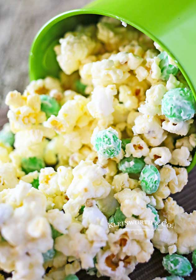 mint white chocolate popcorn