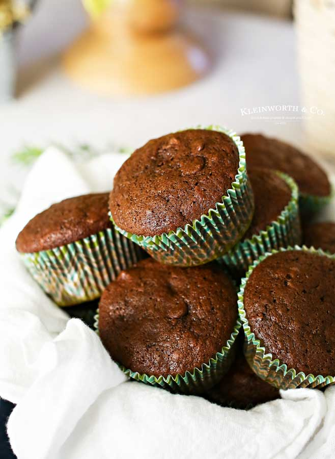 how to make Chocolate Zucchini Muffins
