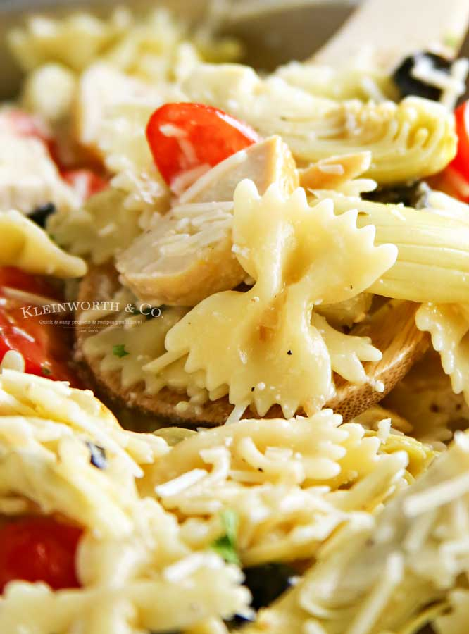 how to make Greek Feta Chicken Pasta Salad