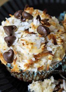 best banana muffin recipe - monkey muffins