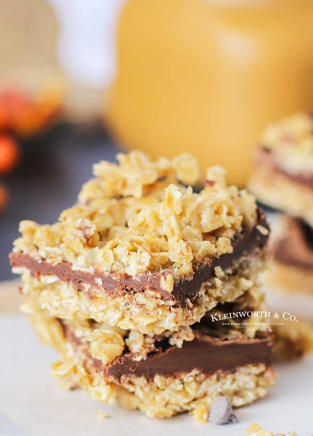 fall dessert - No-Bake Chocolate Caramel Oat Bars