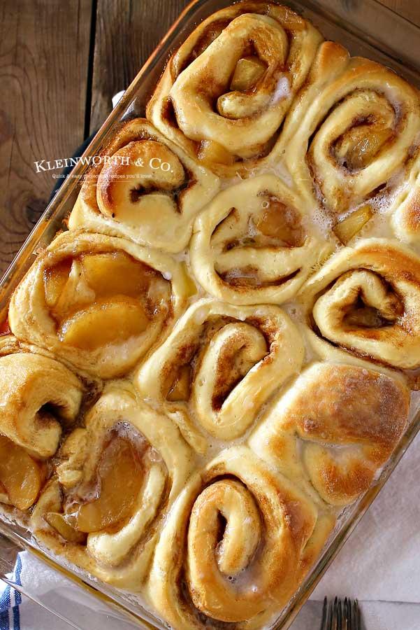 fall recipe - Apple Pie Cinnamon Rolls