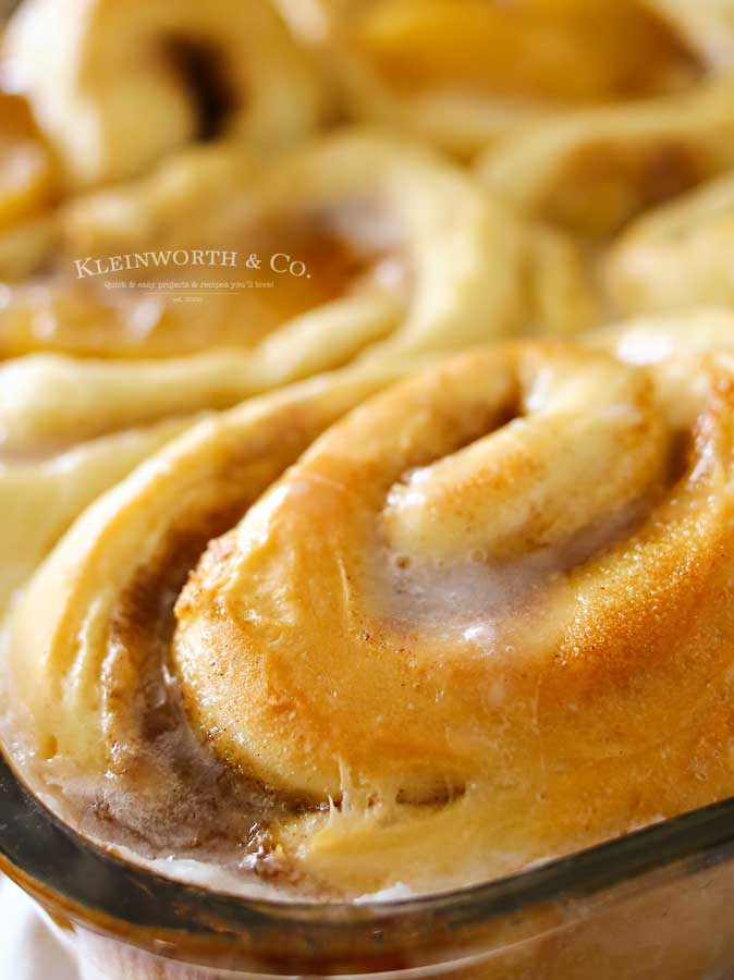 how to make Apple Pie Cinnamon Rolls