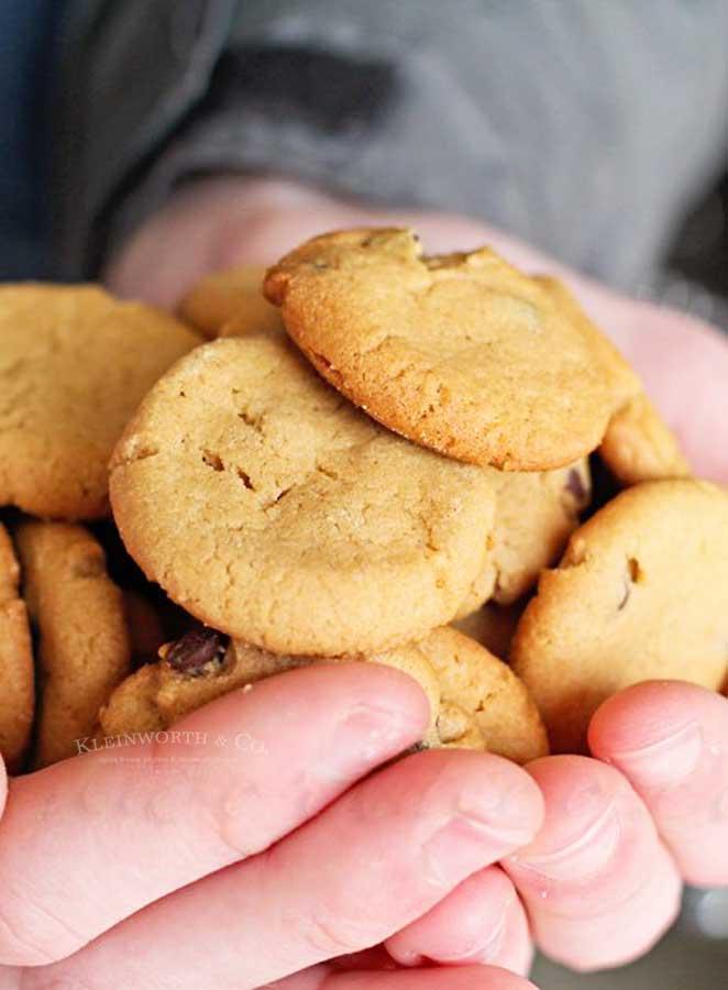 How to make mini peanut butter cookies